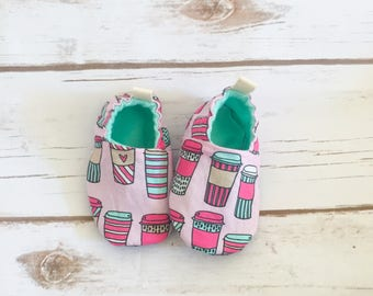 Pink latte booties, cloth shoes, baby booties, slippers, crib shoes, baby coffee shoes, baby girl shoes, pink baby booties,pink latte shoes