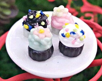 Miniature Plate of Cupcakes