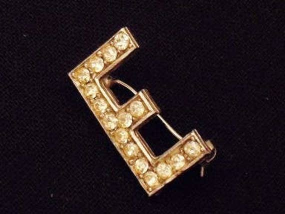 "Vintage diamante brooch in the initial "" E """
