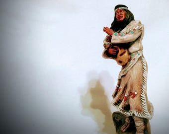 Squaw with Papoose Figurine, Ceramic Indian Mother and Child, American Indian Mom and Baby, Native Indian Woman Protecting her Baby Statue