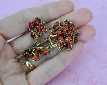 Vintage Red Brooch, Gold Tone, Floral Brooch, 1940s Brooch, Red Pin, Flower Pin, Old Brooch, Vintage Brooch, Rhinestone Brooch, GS972