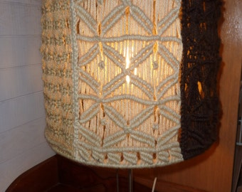 Lampshade in macrame of the 1970s for lamp patchwork of weaves different french macrame lampshade