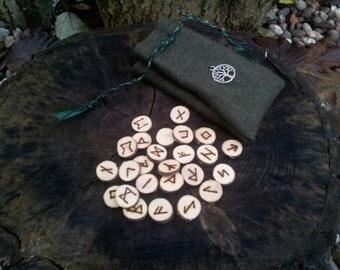 Blackthorn Rune Set