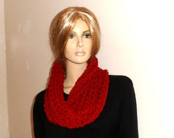 CHERRY RED COWL