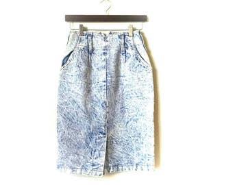 Vintage 1980s acid washed high waisted pencil skirt
