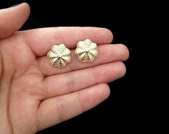 Gold Earrings - Small Earrings - Shell Earrings - 80s Earrings - Vintage - Gold Jewelry - Vintage Jewellery - Costume Jewelry - Gift for Her