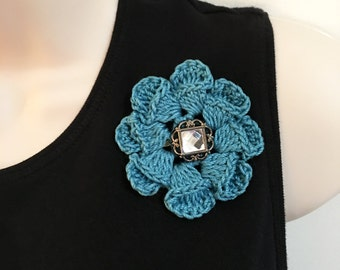 Crochet flower pin, turquoise flower, approx 3 inch diameter, button center, flower brooch, fashion accessory, crochet brooch
