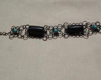 Black Jade and Howlite bracelet in bronze wire