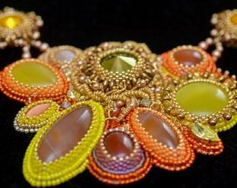 Necklace with cornelian stones