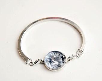 Planet Bracelet - Earth Bezel bracelet, bezel bracelet, unique gift