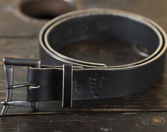 "Limited Edition 1.5"" Black Quick Release Belt- Black Buckle with Black Bridle leather, hand stitched with Black thread and a black bridle ke"
