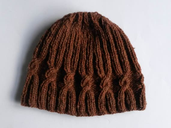 Knit wool beanie: original design with spiral cable. Handspun Irish wool. Made in Ireland. Rust brown colour. Men's beanie. Women's beanie.