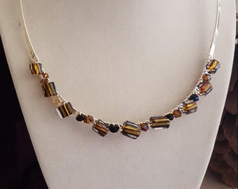 Collar Neclace in Shades of Brown