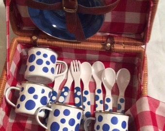 Vintage Wicker and Gingham Picnic Basket Set