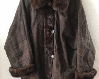 Elegant Warm Original Winter Coat Sheepskin & Soft Mink Fur Retro Design Women's Dark Brown Size Large.