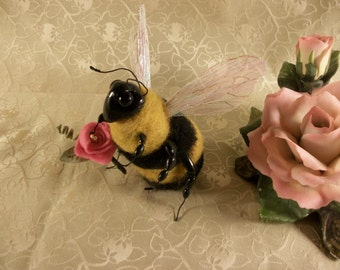 Needle Felted Bumble Bee, Felted Bee, Felted Insect