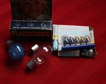 Lot of Assorted Photography Flash Bulbs and Cubes