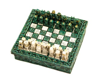 Mexican Green Resin Miniature Chess Set