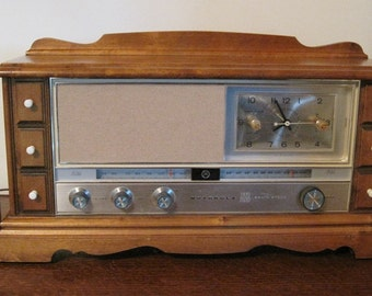 Radio, Motorola Radio, Working Vintage Radio, AM/FM Radio