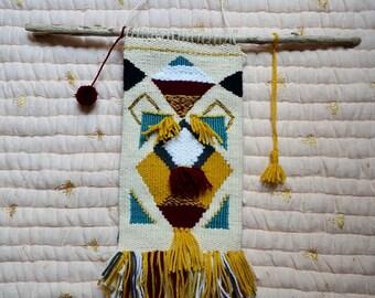 Weaving geometric