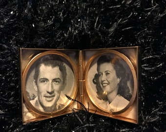 "Miniature Photo Frame 1 1/4"" square"