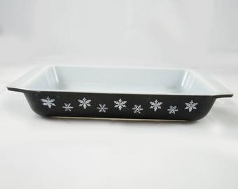 Vintage Pyrex snowflake black and white spacesaver Dishes 548 no Lid