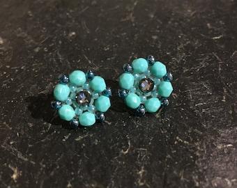 Handgemachte Perlen Ohrringe aus Toho Glasperlen.
