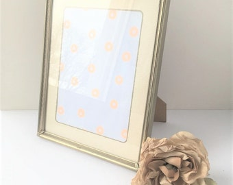 Vintage 8 x 10 Decorative Picture Frame / Vintage Ornate Photo Frame / Old Picture Frame / 8 x 10 Frame / 8 x 10 Display / Gold Frame