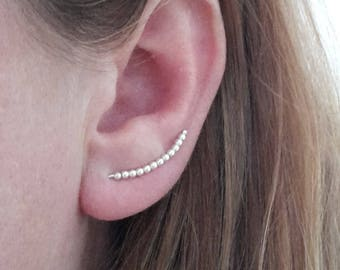 Boucles d'oreille griffes oreilles, fil en argent sterling avec perles, design minimaliste, marquage.