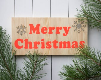 Christmas wood, Christmas sign, glow in the dark sign, Christmas decoration, night glow, wall hanging, wood sign, epoxy resin sign