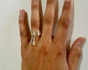 Ring ring Pompom