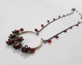 Silver necklace. Garnets necklace. Red Collar. Flowers necklace. Long necklace. Garnets Necklace. Silver Necklace. Boho Necklace. Large Necklace