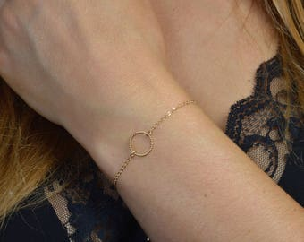 Gold Filled Bracelet 14 k Yellow Gold circle and fine chain