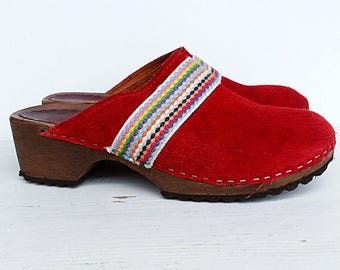 Wood leather clogs size 8 leather clog mules red suede huaraches vintage size 8 EU 38