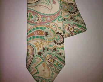 Green,yellow,cream and grey men's necktie