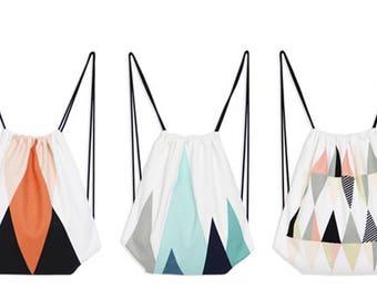 Hit Bag Design Géométrique Triangle | sac à dos avec lanières | 33 x 40 cm | Summer 2017 | sac de plage | Cabas imprimé recto | vacs, ville