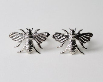 Vintage bumble bee pair of napkin rings. Bee napkin rings. Wasp napkin rings. Insect napkin rings. Bee napkin ring holders. Kitsch bee ring.