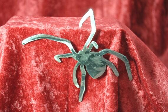 Hanger Spider Magnet, Magnet, Insect, Bug, Spider, Creepy, Refrigerator Magnet, Toolbox Magnet, Metal Art