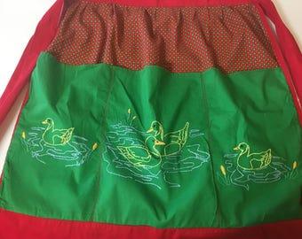 Vintage Duck Apron With Pockets Green Red Floral Teacher Gardener Artist