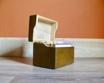 """Wooden Recipe Box, 70s Index Card Holder, Merchants Box Co, Dovetail Box Recipe Holder, 3"""" x 5"""" Index Cards, Rustic Kitchen Office Decor"""