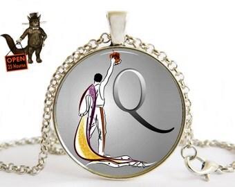Queen Necklace,Queen Jewelry,Queen Music,Freddie Mercury,Gift for Queen Fan,vinyl record,Guitar Pick Music, Rock British,Rock Band,Record