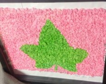 Pink and Green Ivy Leaf