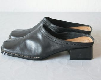 Black Vintage mules Genuine leather mules Chunky heels mules Size 41 mules Black leather clogs Grunge 90's shoes Open heel shoes Slide on