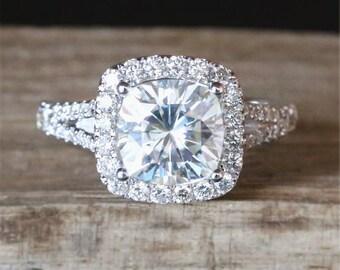 Split Shank Forever Brilliant Moissanite Engagement Ring 2.0ct Cushion Cut Moissanite Ring Diamonds Halo Ring Stackable 14K White Gold Ring
