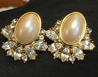Vintage Large Faux Pearl Earring , Faux Pearl and Rhinestone Earrings , Gold Tone , Statement Earrings , Elegant Earrings , Formal Earrings