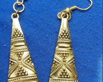 Lost Queen Earrings