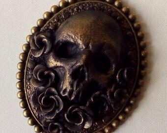 Skull & roses, polymer clay pendant, goth