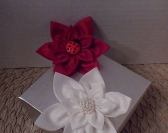 A Set of 2 Little Girls Handcrafted Hair Flower
