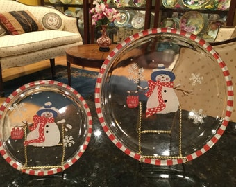 Set of 2 Round Glass Christmas Holiday Plates Snowman Red White
