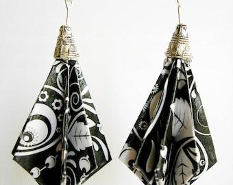 Earrings of paper. Black White